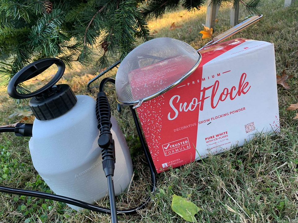 snoflock powder and weed sprayer for flocking an artificial christmas tree