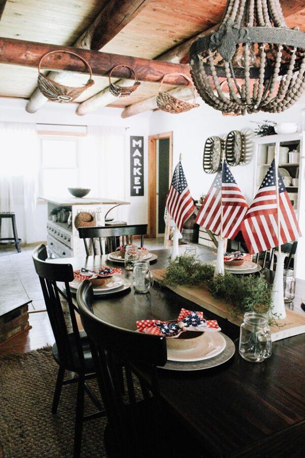 PATRIOTIC TABLE IN AMERICAN FARMHOUSE