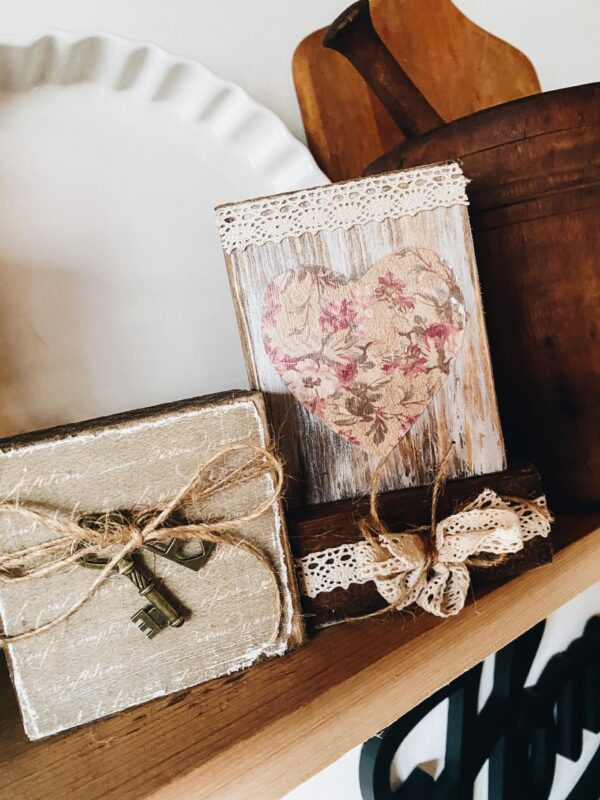 RUSTIC WOOD BLOCK VALENTINES DAY DECOR