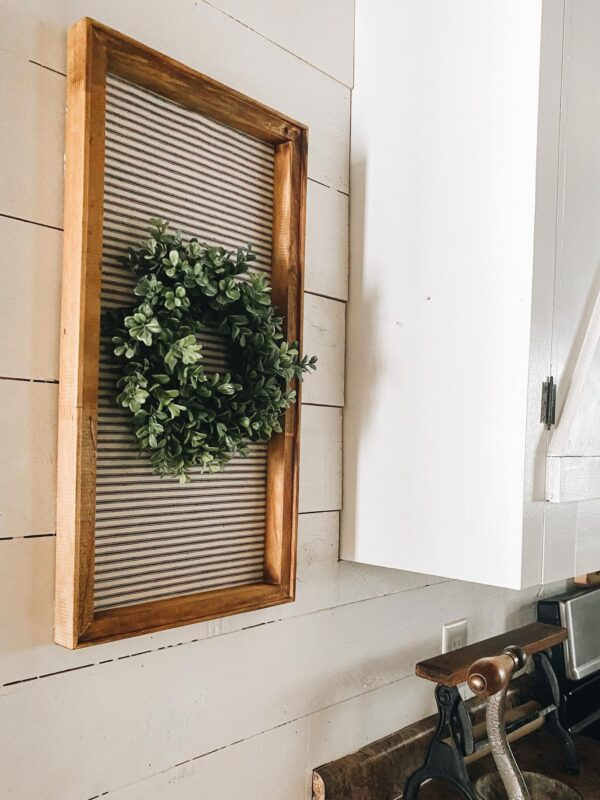 pretty and easy diy decor using an old canvas in farmhouse kitchen
